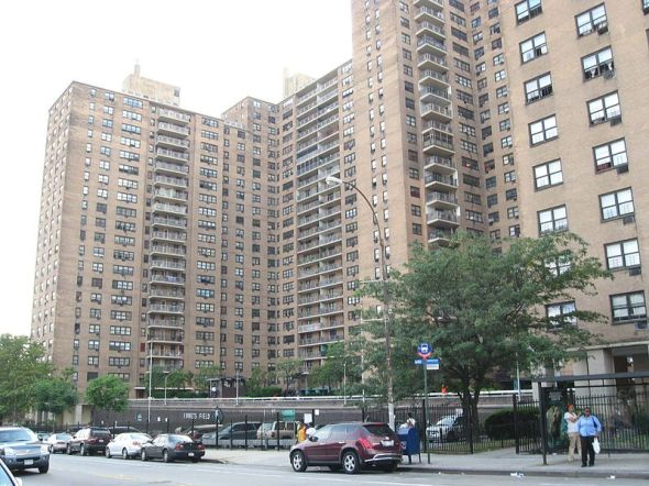 Ebbets Field Apartments, 2008 (Wikimedia Commons)