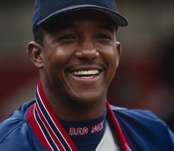 Head and shoulders of Boston Red Sox Pedro Martinez, May 2, 1999 in Oakland (Baseball HOF)