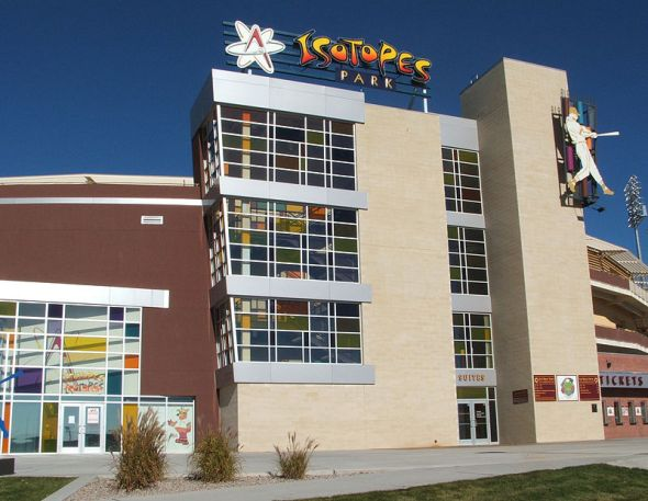 isotopes_park_front