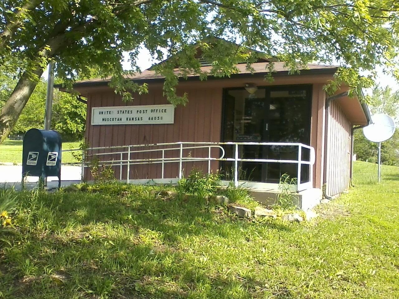 Muscotah post office